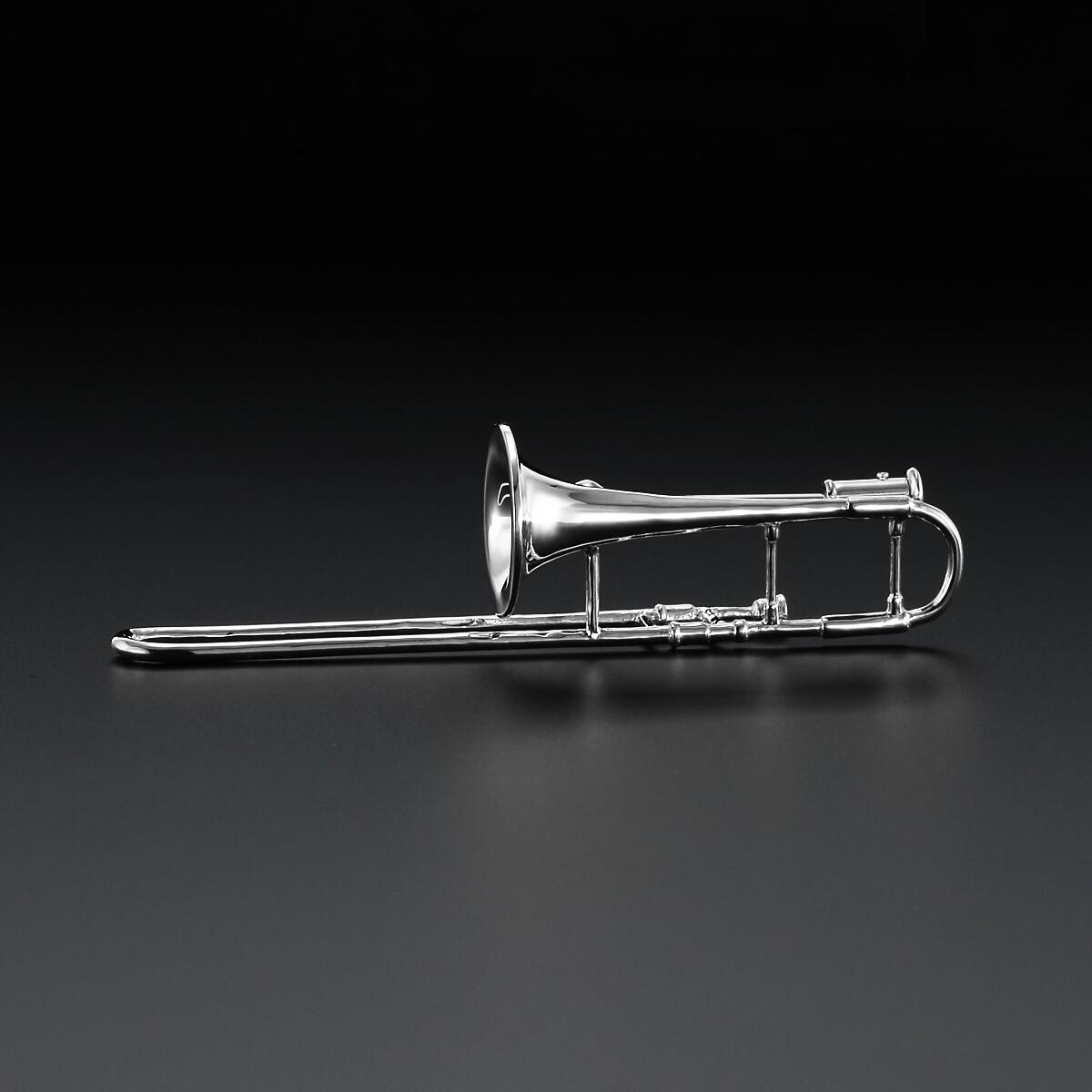 プラチナ900製トロンボーン ブローチ